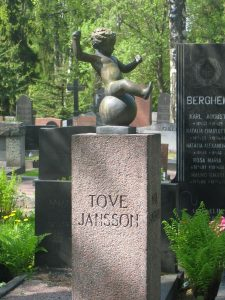 800px-Grave_of_Tove_Jansson_at_Hietaniemi